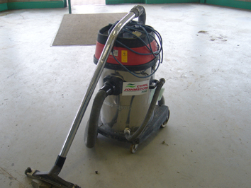Industrial Vacuum Wet-Dry